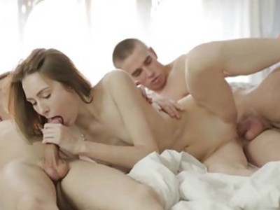 Teen experiences coarse pussy fingering from dude