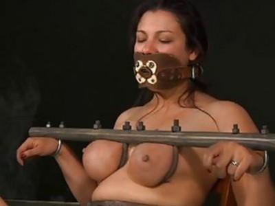 无价的妓女是为了打趣她的淫声裂口