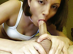 Amateur girlfriend toys and sucks dick with cum