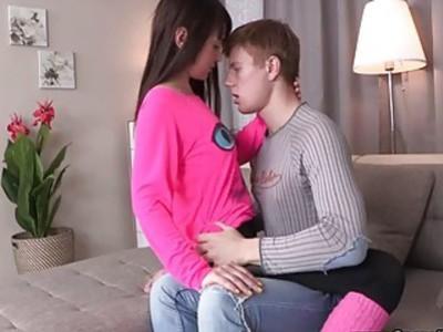 休闲的青少年性爱 - 与巨大射液休闲性