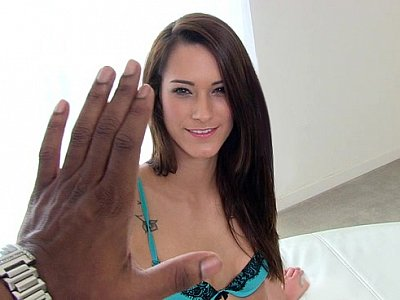Hi five to a wet pussy-cock-hungry horny brunette