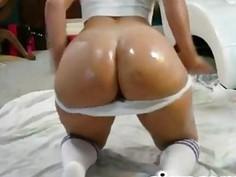 oily booty shake