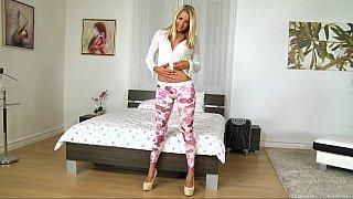 Gorgeous teen seducing her landlord