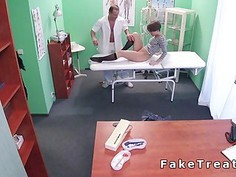 Short haired patient sucked doctors dick