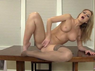 Hot babe in pantyhose strips and masturbates