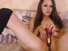 Sizzling Hot Beautiful Babe Masturbate To Orgasm