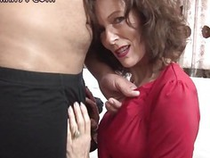 Skinny mature beauty sits her pussy on an big cock