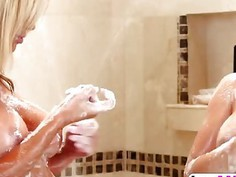 Keisha Grey And Tasha Reign love to pleasure each other in the bathroom