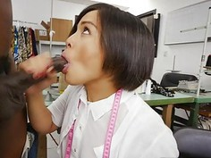 Milcah Halili blowjob her irate customer to calm him down