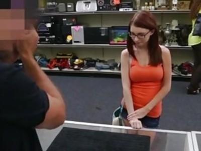 性高潮冠军公开和3d反向口交詹妮得到她的屁股