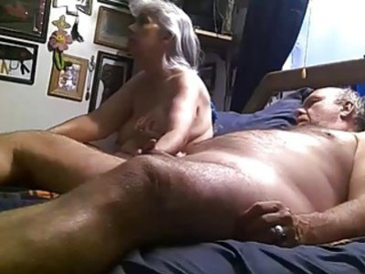 Old couple fuck on cam