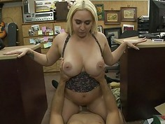 Huge tits woman railed by pawn keeper