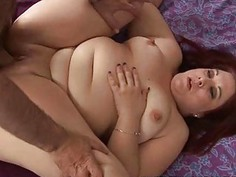 Guy fingers and fucks pussy of one plump woman