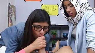Teen arab babe is willing for cook jerking