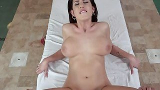 Busty babe Aida Swinger wants to fuck her masseur