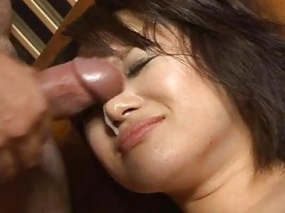 Babe is having threesome fun with two boyfriends