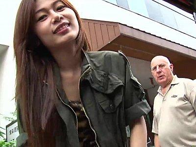 异国情调的亚洲青少年