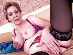 EuropeMaturE Solo Masturbation Milena Fingering