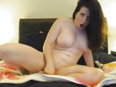 Busty Hot Teen Babe Pleasure Herself