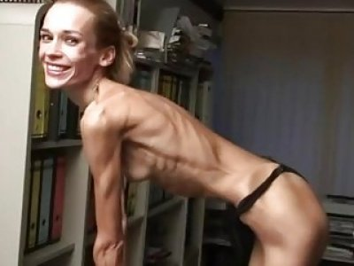 Flexible Inna stretches and parades her extremely anorexic body solo