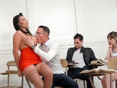 Teacher Makayla Cox gets her big boobs worshipped