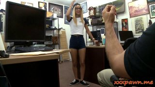 Tight babe screwed by pervert pawn dude