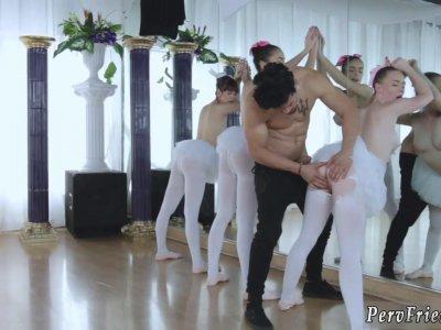 比利滑翔青少年第一次芭蕾舞女演员