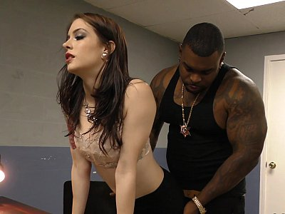 Muscle-bound black cop face-fucks a hooker