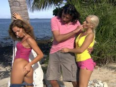 Dirty girls Nesty and Lauren May in a threesome