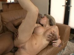 Courtney Cummz fucks strong black dick