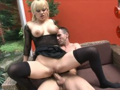 Horny blond milf Britney enjoys hard fingerfuck and doggy
