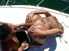 Hot Gina Jolie takes sun bath for her hot ass