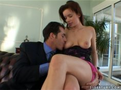 Brown haired hussy Edith gets her sweet pussy eaten properly