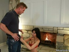 Ugly cougar hooker Diana Prince blows and gives handjob