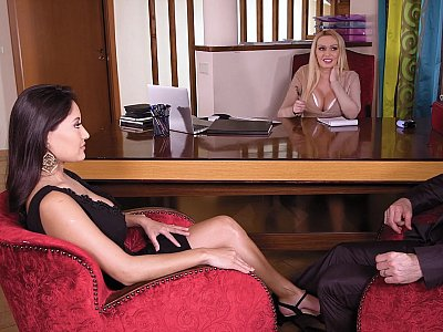 Threesome sex with a couple therapist