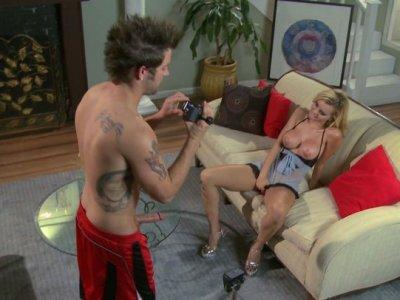 杰西罗杰斯得到她的阴部性交自制视频
