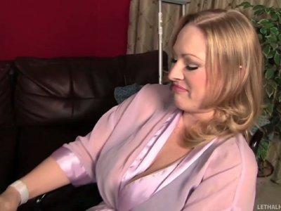 Best wife alive Vicky Vixen invites Abbey Brooks to fuck her husband Daniel Hunter