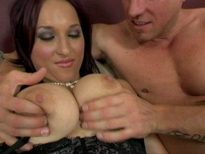 Whorish hot brunette Lea Magic gives a superb titfuck
