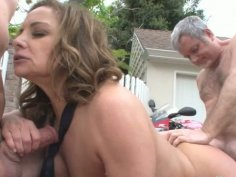 Full bodied mom is banged brutally on a couch outdoor