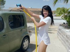 Car Washing Hottie