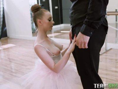芭蕾舞女演员Boning