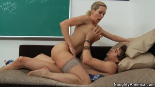Brandi Love sucks and fucks her students Thumbnail