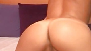Teen with perfect body shows of on cam Thumbnail