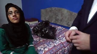 Fucking in glasses is no problem for this sexy Arab teen Thumbnail