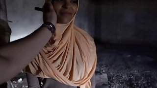 Arab babe with hot butt takes cash from stranger in exchange for sex Thumbnail