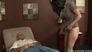 Slutty brunette chick Evie Delatosso facesits and blows Thumbnail