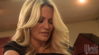 Two stunning whores Jessica Drake and Kirsten Price play with each other Thumbnail