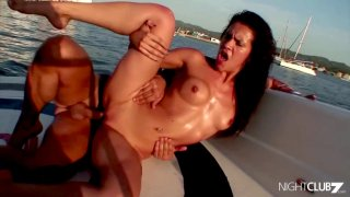 Dude throws off Whore Boat after Using her Thumbnail